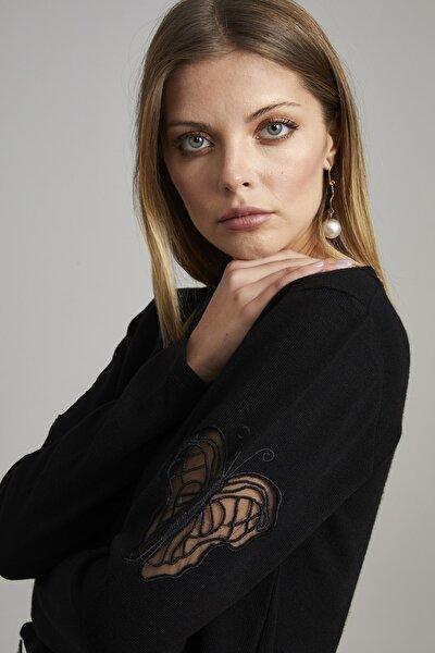 Kadın Siyah Kolları Kelebek Nakış İşleme İnci Aksesuarlı Bluz
