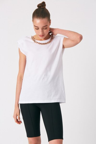 Kadın Beyaz Zincir Detaylı Vatkalı Tshirt