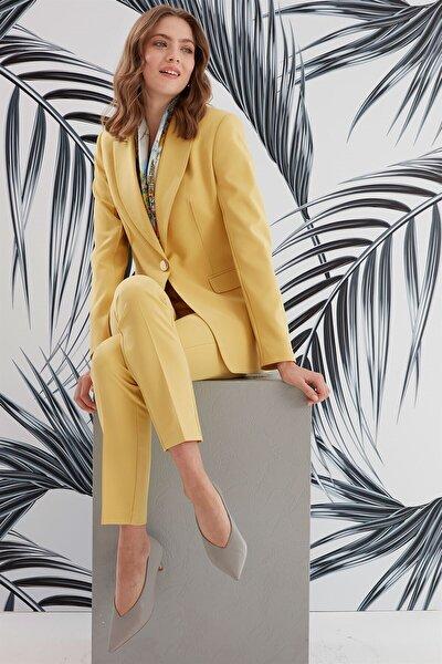 Kadın Sarı Mono Yaka Ön Nervür Detaylı Ceket