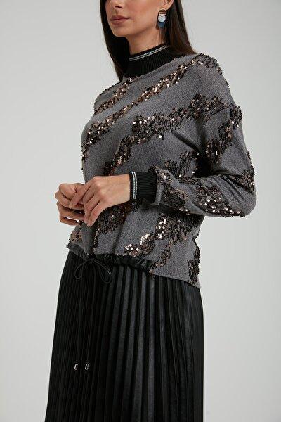 Kadın Gri Yaka ve Kolu Ribanalı Payet Triko Bluz