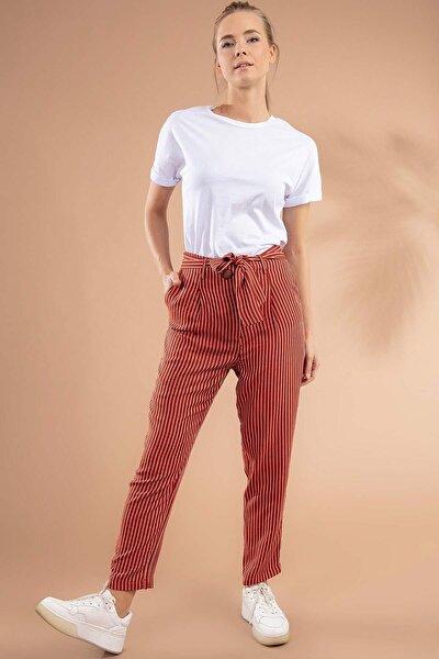 Kadın Kuşaklı Rahat Kesim Çizgili Pantolon 39518