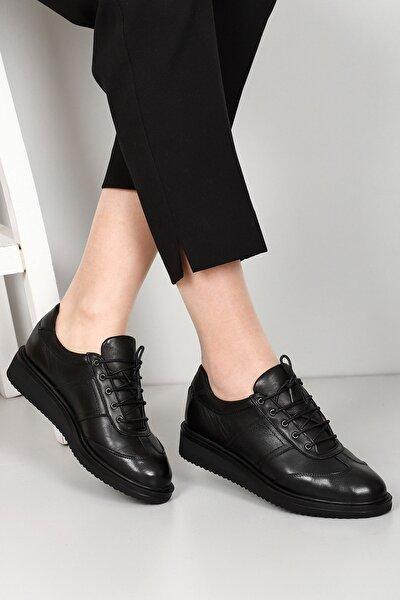 Hakiki Deri Siyah Yuvarlak Burun Dolgu Taban Bağcıklı Kadın Ayakkabı 24093