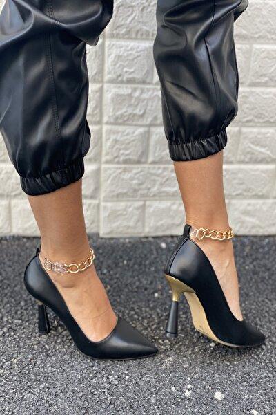 Kadın Siyah Cilt Sivri Burun Bilek Zincir Detaylı Topuklu Ayakkabı