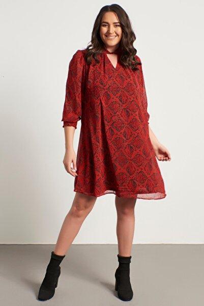 Kadın Kırmızı Yaka Detaylı Gipeli Şifon Elbise