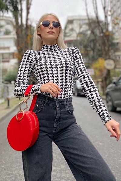 Kadın Siyah Mini Kazayağı Desenli Top Body Bluz