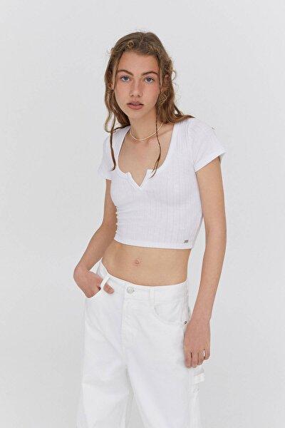 Kadın Açıklık Detaylı Yakalı T-shirt