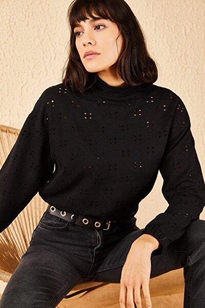 Kadın Siyah Yarım Balıkçı Yaka Beli Lastikli Delikli Bluz 10191064
