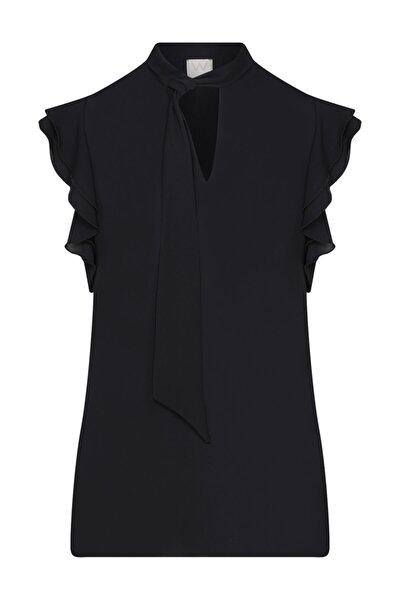 Kadın Siyah Kolsuz Şifon Bluz
