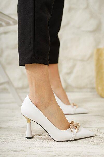 Kadın Beyaz Tokalı Klasik Topuklu Ayakkabı Md1006-118-0002