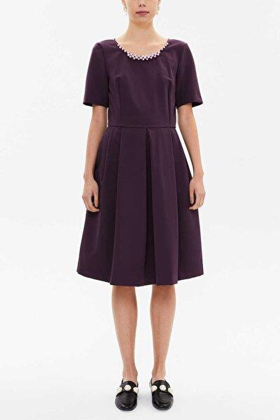 Kadın Yakası Inci Detaylı Pileli Elbise 92207
