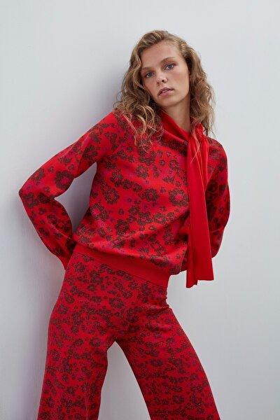 Kadın Kırmızı Çiçek Desenli Boyundan Bağlamalı Triko Bluz