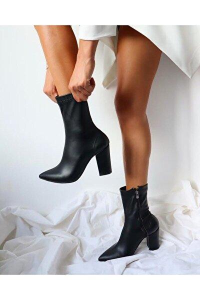 Siyah Deri Çorap Çizme