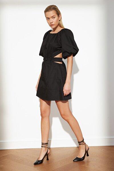 Siyah Cut Out Detaylı Elbise TWOSS21EL3596