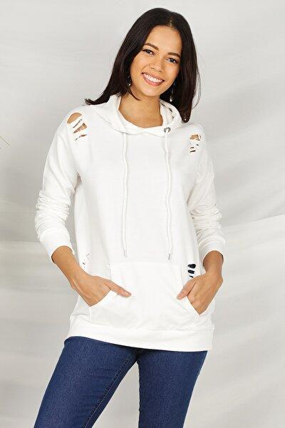 Kadın Beyaz Yırtık Detaylı Kapüşonlu Sweatshirt