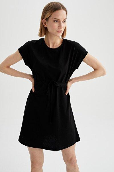 Kadın Siyah Basic Beli Bağcıklı Elbise