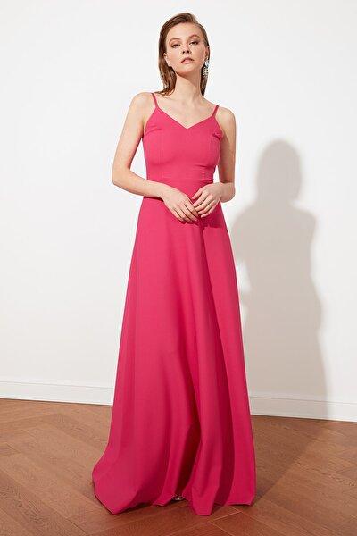 Fuşya Sırt Detaylı Abiye & Mezuniyet Elbisesi TPRSS21AE0070