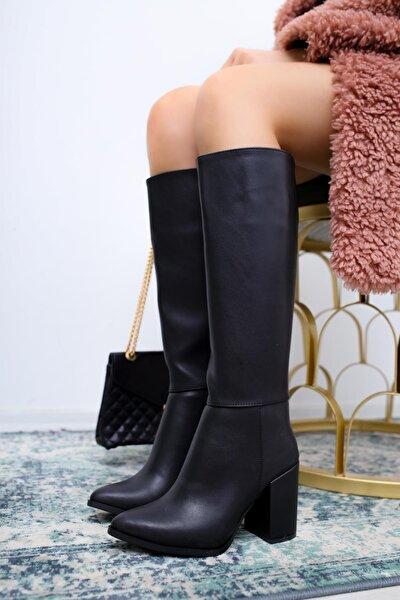 Ann Siyah Sivri Burunlu Kalın Topuklu Çizme