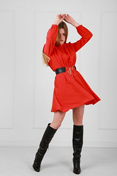 Kırmızı Deri Kemerli Uzun Kollu Yakadan Büzgülü Elbise Je92431
