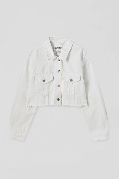 Kadın  Beyaz Kenarı Püsküllü Crop Fit Denim Ceket 09710305