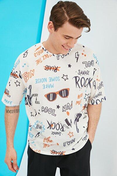 Ekru Erkek Oversize Bisiklet Yaka Kısa Kollu Baskılı T-Shirt TMNSS21TS0944
