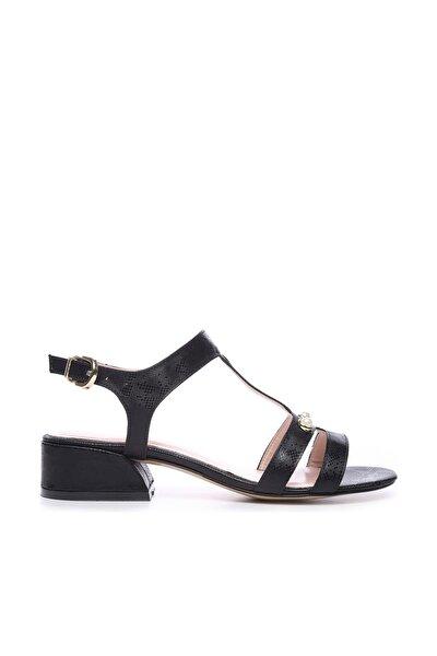 Siyah Kadın Ayakkabı 652 1871-1 BN AYK