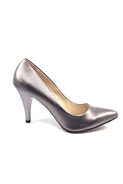 Gümüştopuklu Kadın Ayakkabısı