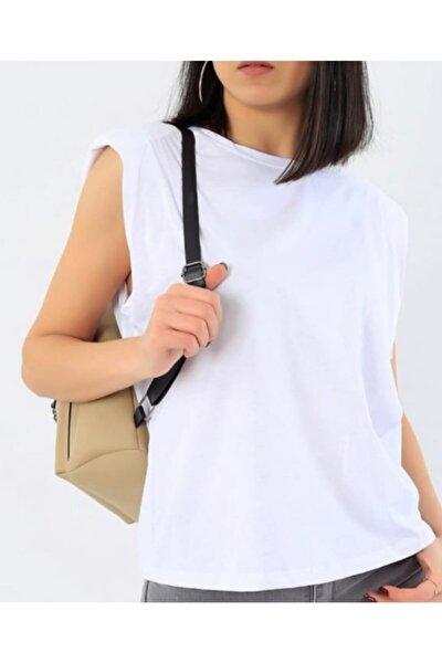 Kadın Beyaz Vatkalı Sıfır Kol T-Shirt
