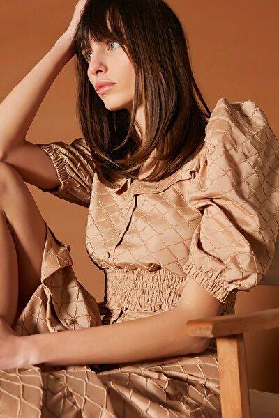 Kadın Kahverengi Düşük Omuz Crop Bluz IS1200006175007