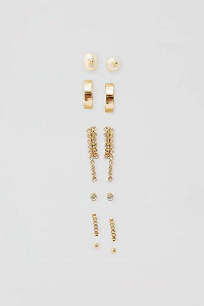 Kadın Altın Rengi Parlak Taşlı Küpe Seti 05992314