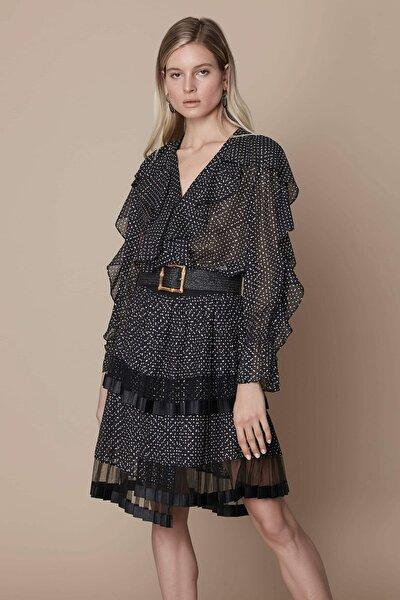 Kadın Siyah Fırfır Şeritli Bluz IS1200006092001
