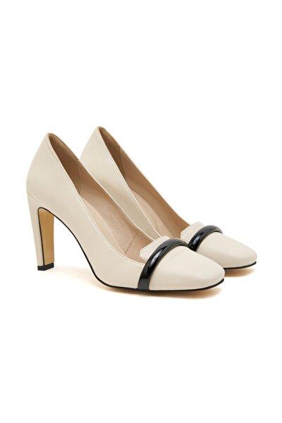 Kadın Beyaz Deri Klasik Ayakkabı