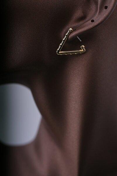 Kadın Gold Renkli Zımba Detay Üçgen Model 2 li Küpe Plkup060r01