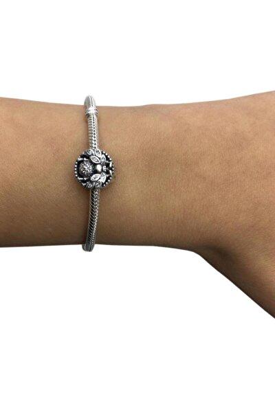 Kadın Taşlı Yaprak Kanatlı Arı Gümüş Charm Bileklik