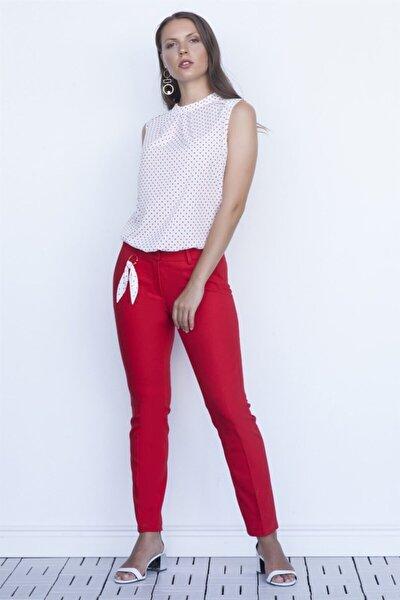 Kadın Kırmızı Aksesuarlı Dar Paça Pantolon