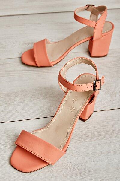 Yavruağzı Nubuk Kadın Klasik Topuklu Ayakkabı L0503550771