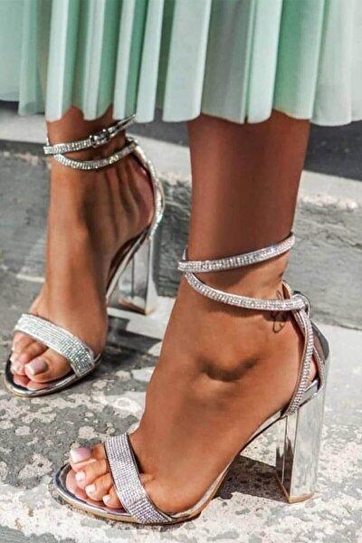 Topuklu Gümüş Parlak Taşlı Bayan Ayakkabı