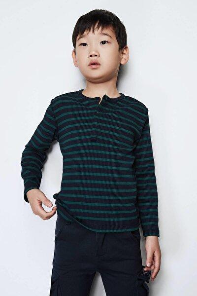 Erkek Çocuk Desenli T-shirt