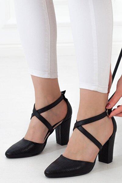 Siyah Yüksek Topuk Çapraz Bant Tokalı Kadın Günlük Sandalet • A182yakt0020