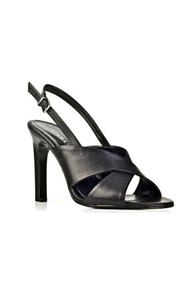 10 Cm Ince Topuklu Çapraz Görünümlü Toka Detaylı - Kadın Ayakkabı Siyah Deri