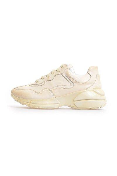 Bej Deri Bağcıklı Kadın Sneakers