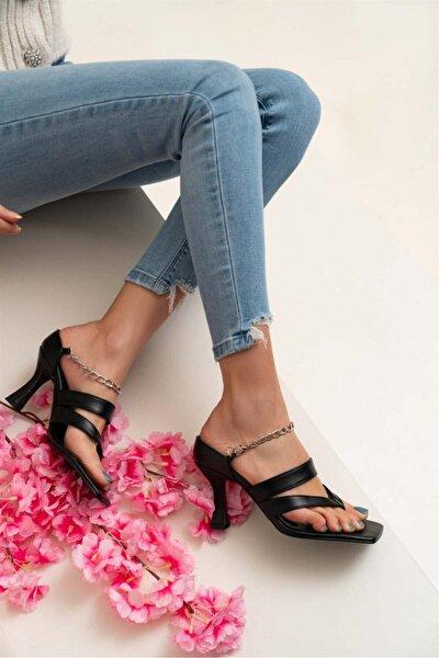 Kadın Gillian Siyah Mat Parmak Arası Bilek Bağlı Topuklu Ayakkabı