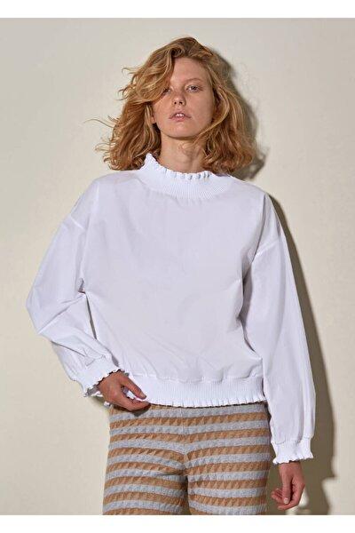 Kadın Beyaz Triko Detaylı  Gömlek