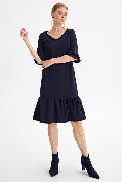 Kadın Lacıvert Eteği Volanlı Elbise K20EL169