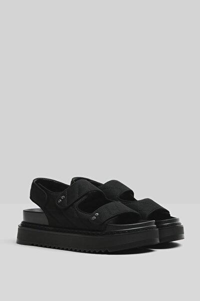 Kadın Siyah Üstü Dikişli Platform Sandalet