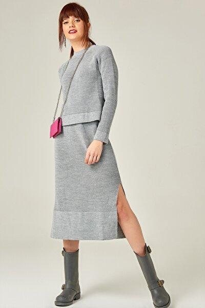 Eteği Yırtmaçlı 2'li Takım Elbise