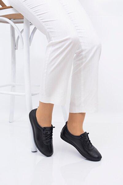 Kadın Siyah Tabanı Dıkıslı Ayakkabısı