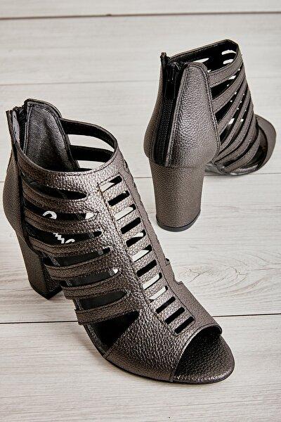 Platin Kadın Klasik Topuklu Ayakkabı L0501714409