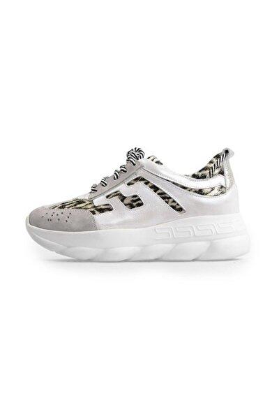 Gri Bağcıklı Taban Detaylı Spor Ayakkabı