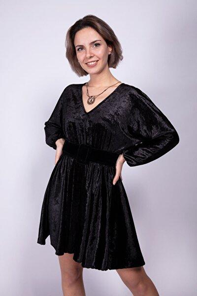 Kadın Siyah Pileli Kadife Elbise