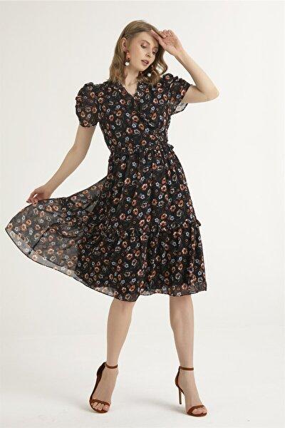 Kadın Siyah Yakası Fırfırlı Elbise